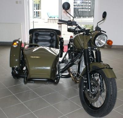 Ural Retro Olive Green w naszym salonie